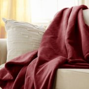 Sunbeam® Microplush Deluxe Dual Pocket Heated Throw image number 1