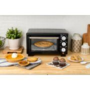 Oster® Convection 4-Slice Toaster Oven, Matte Black, Convection Oven and Countertop Oven image number 3