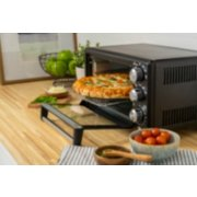 Oster® Convection 4-Slice Toaster Oven, Matte Black, Convection Oven and Countertop Oven image number 5