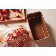 Simply Calphalon Nonstick Bakeware 9x13-Inch Cake Pan image number 2