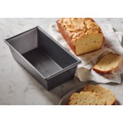 Calphalon Nonstick Bakeware 5-Inch x 10-Inch Large Loaf Pan image number 3