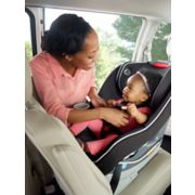 convertible car seat in rear facing position image number 3