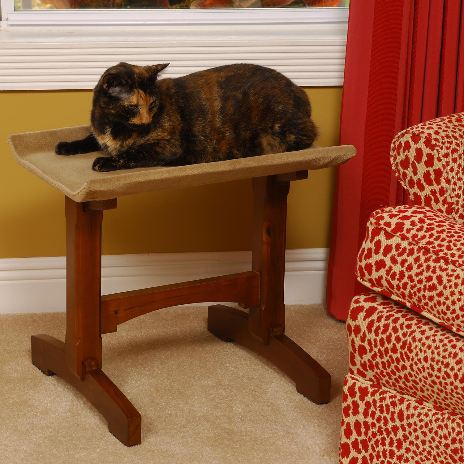 Mr. Herzhers Single Seat Feline Furniture In Brown