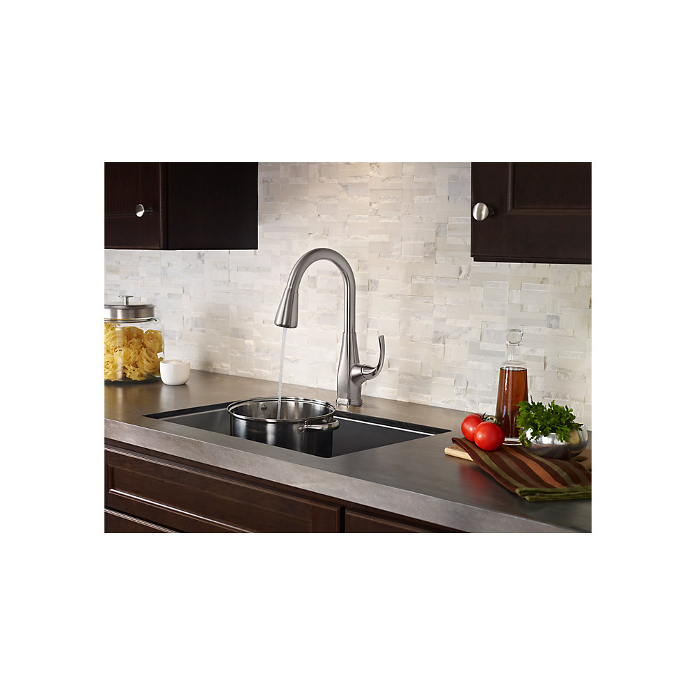Pfister Selia Kitchen Faucet | Stainless Steel Selia 1 Handle Pull Down Kitchen Faucet F 529