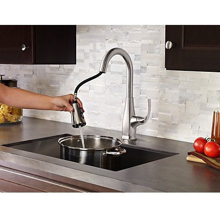 Stainless Steel Selia 1 Handle, Pull Down Kitchen Faucet   F 529