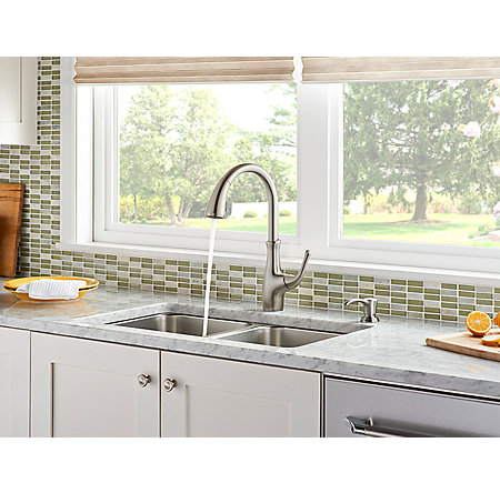 Stainless Steel Vosa 1-Handle Pull Down Kitchen Faucet with Soap Dispenser - F-529-7VVS - 4