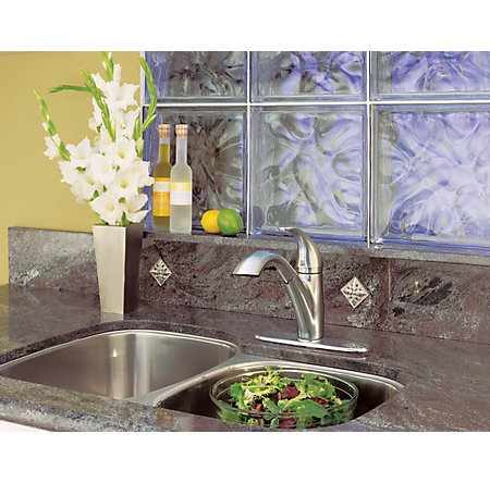 Stainless Steel Parisa 1-Handle, Pull-Out Kitchen Faucet - LG534-7SS - 4