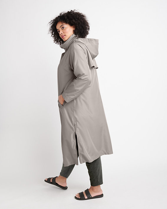 The Weekender Side-Zip trench coat gives you beautiful water-resistant Spring style.