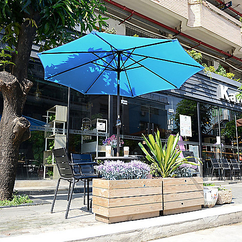 Villacera 9 Outdoor Patio Umbrella W Auto Tilt Evine