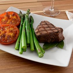 Gourmet Food 491-588 Deen Family (8) 5 oz Center Cut Beef Tenderloin Fillet Mignon - 491-588