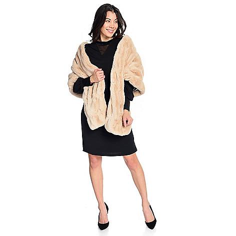 d981f5eddd6c Donna Salyers  Fabulous-Furs