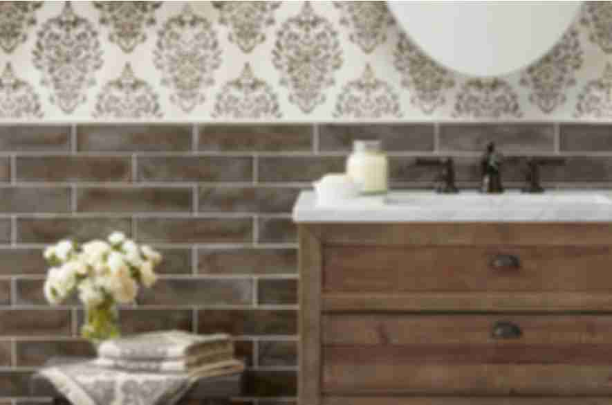 Wallpaper-look wall tile.