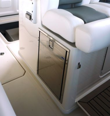 Refrigerator - starboard pull-out