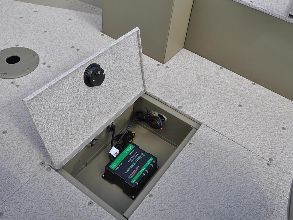 1600-1800-Alaskan-tiller-In-Floor-Storage-Compartment