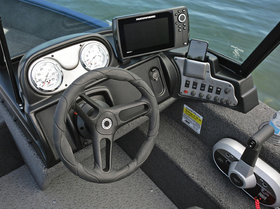 1650-Angler-Sport-Starboard-Command-Console