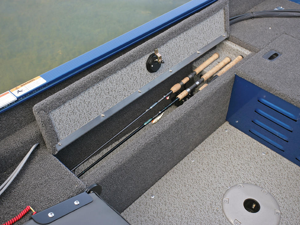 1650-Angler-Starboard-Side-Rod-Storage-Open