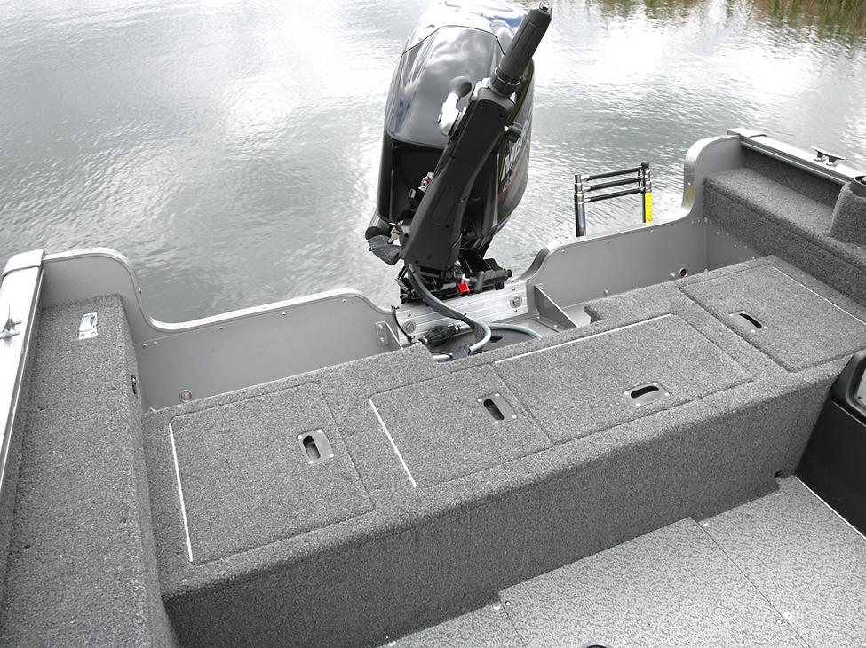 1675-1775-Pro-Guide-Aft-Deck-Closed
