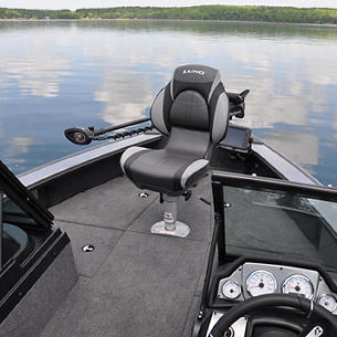 1875-1975 Pro-V Bow Deck with Seat