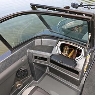 189-Tyee-GL-Port-Console-Glove-Box-Storage-Compartment-Open