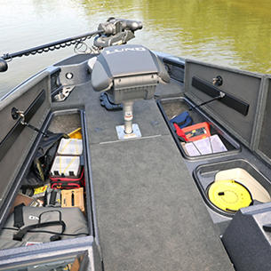 202-Pro-V-GL-Bow-Deck-Storage-Compartments-Open