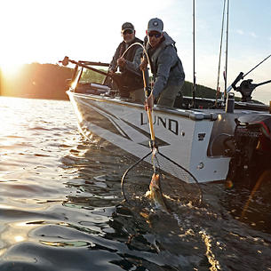 2075 Fisherman Fish