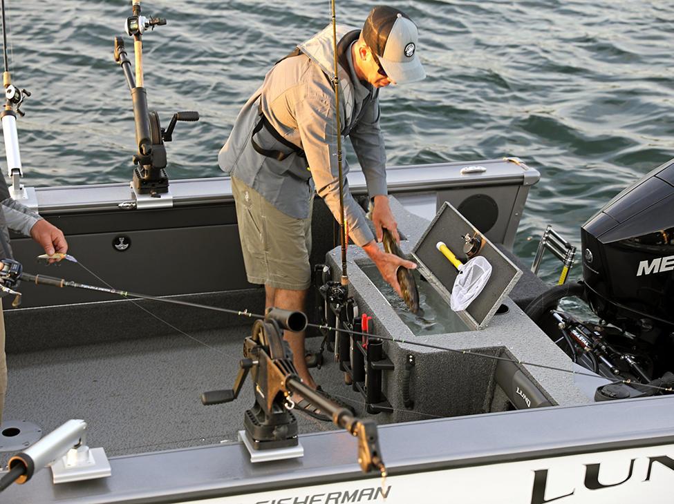 2075 Fisherman Livewell