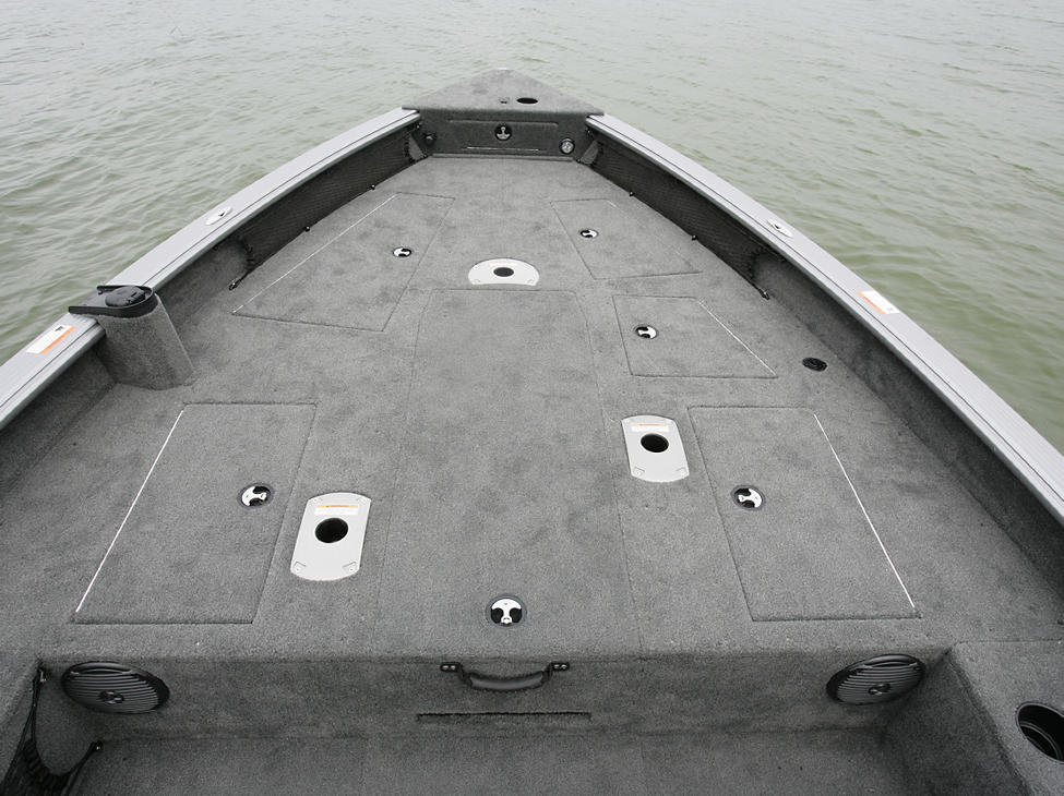 2075-Pro-Guide-Bow-Deck-Storage-Compartments-Closed