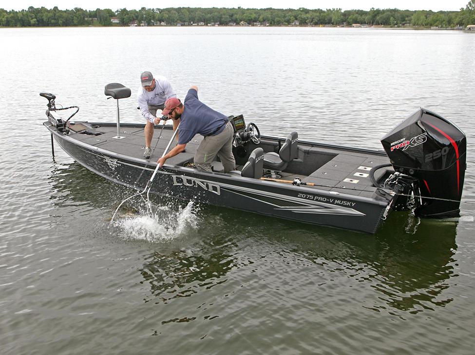 2075-Pro-V-Musky-XS-Fish