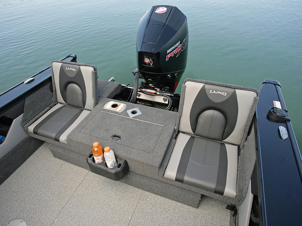 Crossover-XS-Aft-Deck-Jump-Seats.