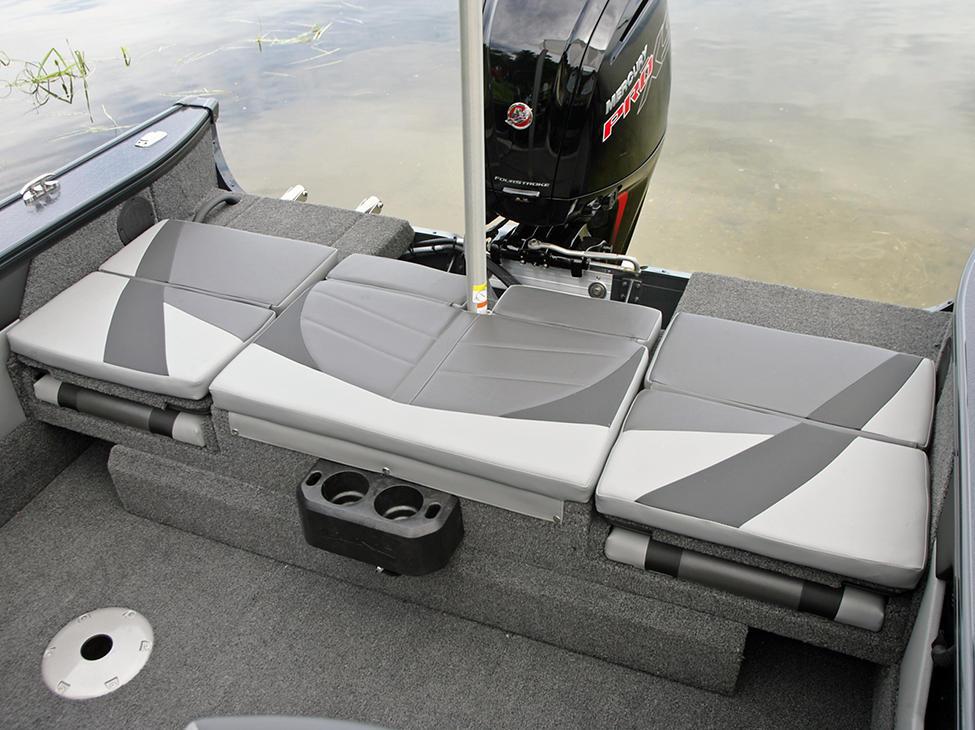 Crossover-XS-Aft-Deck-Sun-Pad-shown-with-Ski-Pylon