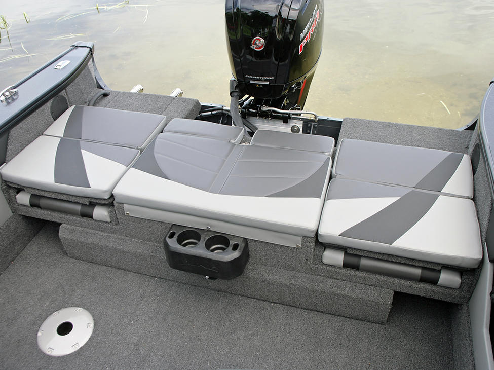 Crossover-XS-Aft-Deck-Sun-Pad