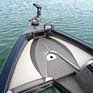 Crossover-XS-Bow-Deck-with-Optional-Bow-Cushions.