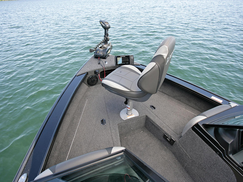 Crossover-XS-Bow-Deck-with-Seat