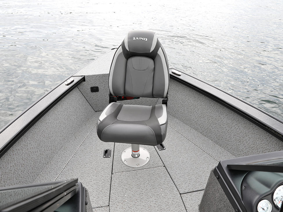 Fisherman Bow Deck with Seat