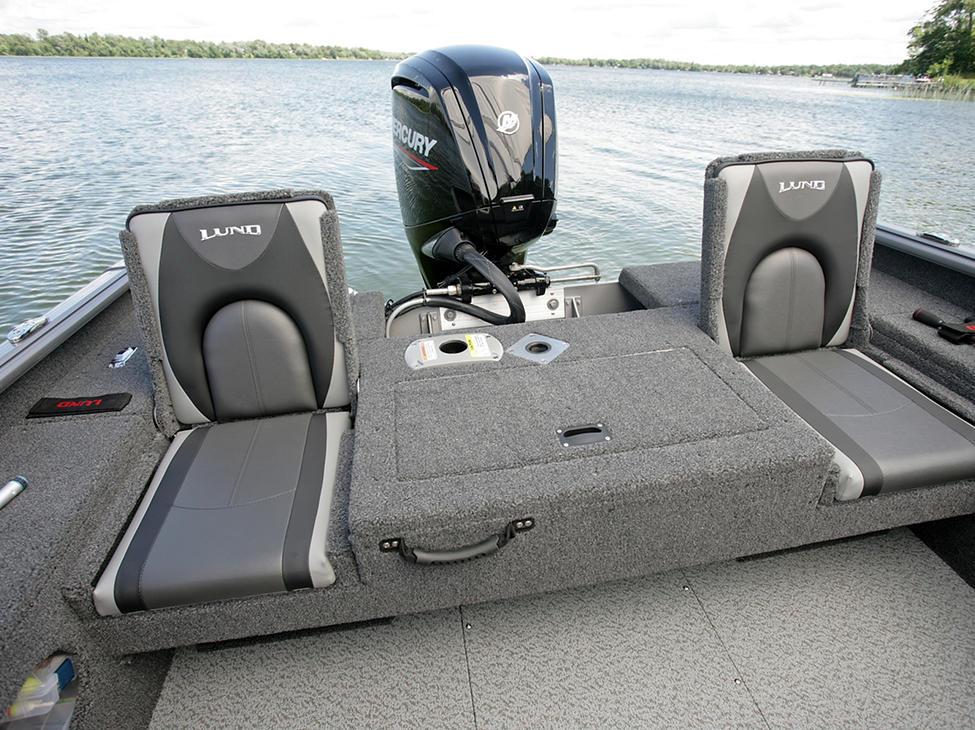 Impact-XS-Aft-Platform-with-Jump-Seats-Open