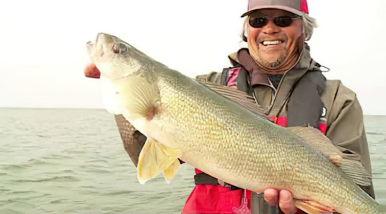 Lund-Boats-Ultimate-Fishing-Experience-2021-Episode-9-One-Two-Punch-Walleye-DRinLesauP8