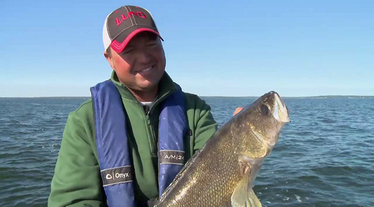 Lund-Ultimate-Fishing-Experience-2015-Episode-10-The-Versatile-Angler.mkv0176