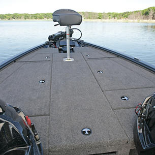 Pro-V-Bass-Bow-Deck-with-Butt-Seat