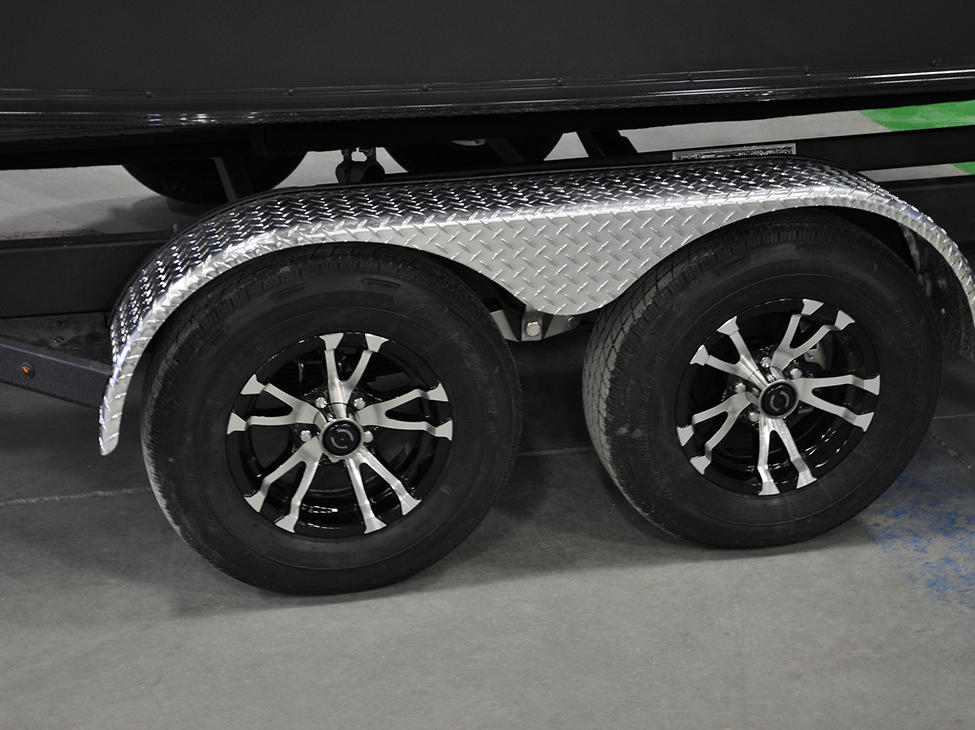 Pro-V-Limited-Trailer-Rims-and-Stainless-Fender