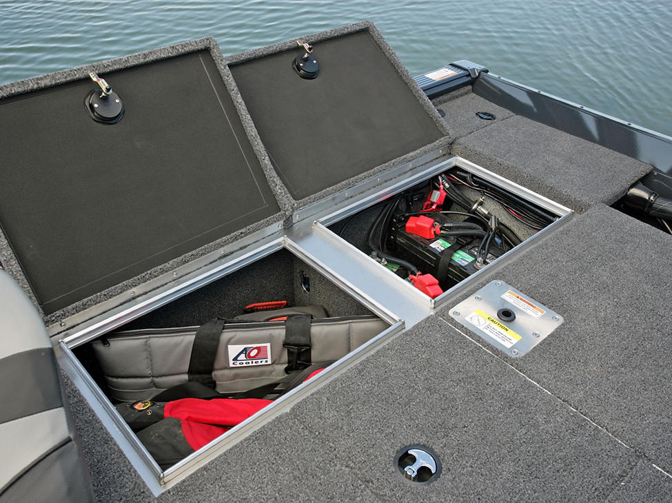 Pro-V-Musky-Bench-Aft-Deck-Starboard-Storage-Compartments-Open