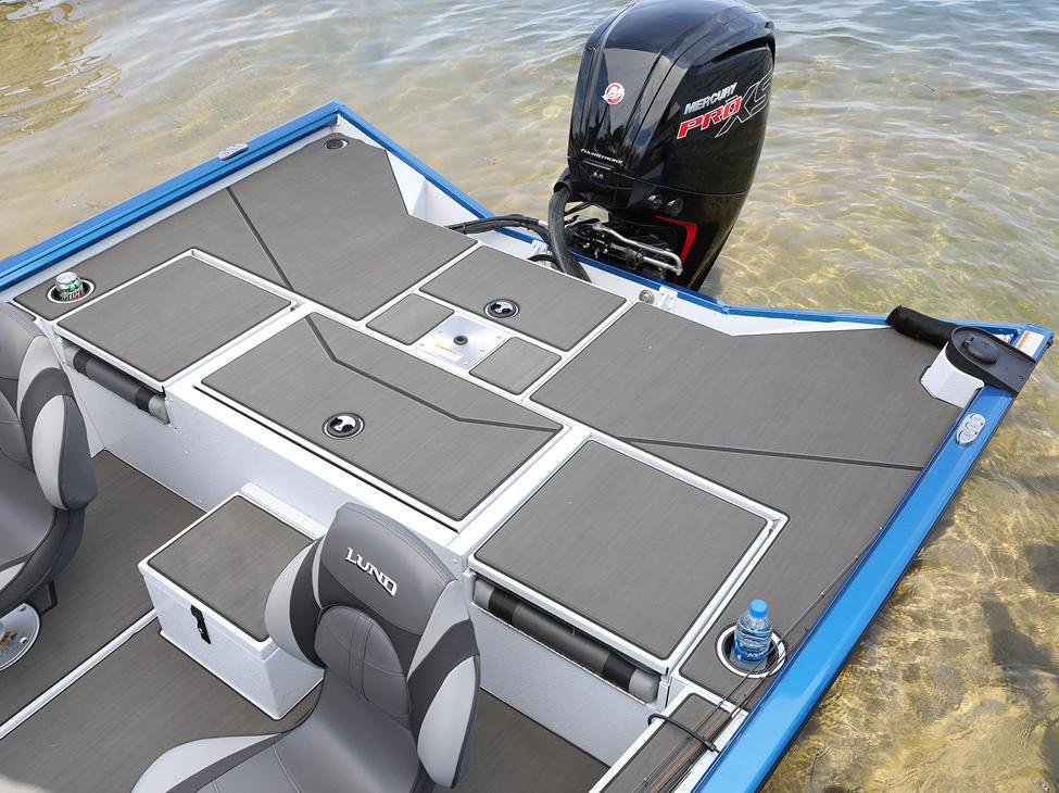 Renegade Aft Deck shown with Optional Stick-On Marine Mat