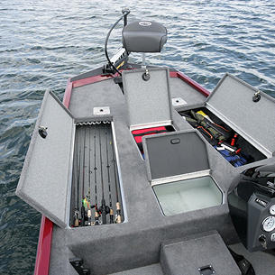 Renegade-Crappie-Option-Bow-Deck-Storage-Compartments-and-Livewell-Open