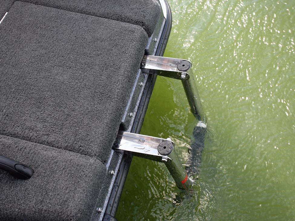 Tyee-GL-Aft-Deck-Boarding-Ladder-Deployed
