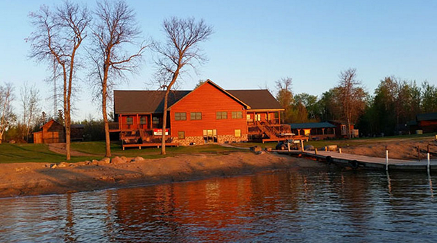 ln-lund-life-boat-fish-blog-camps-and-resorts-sunset-lodge03