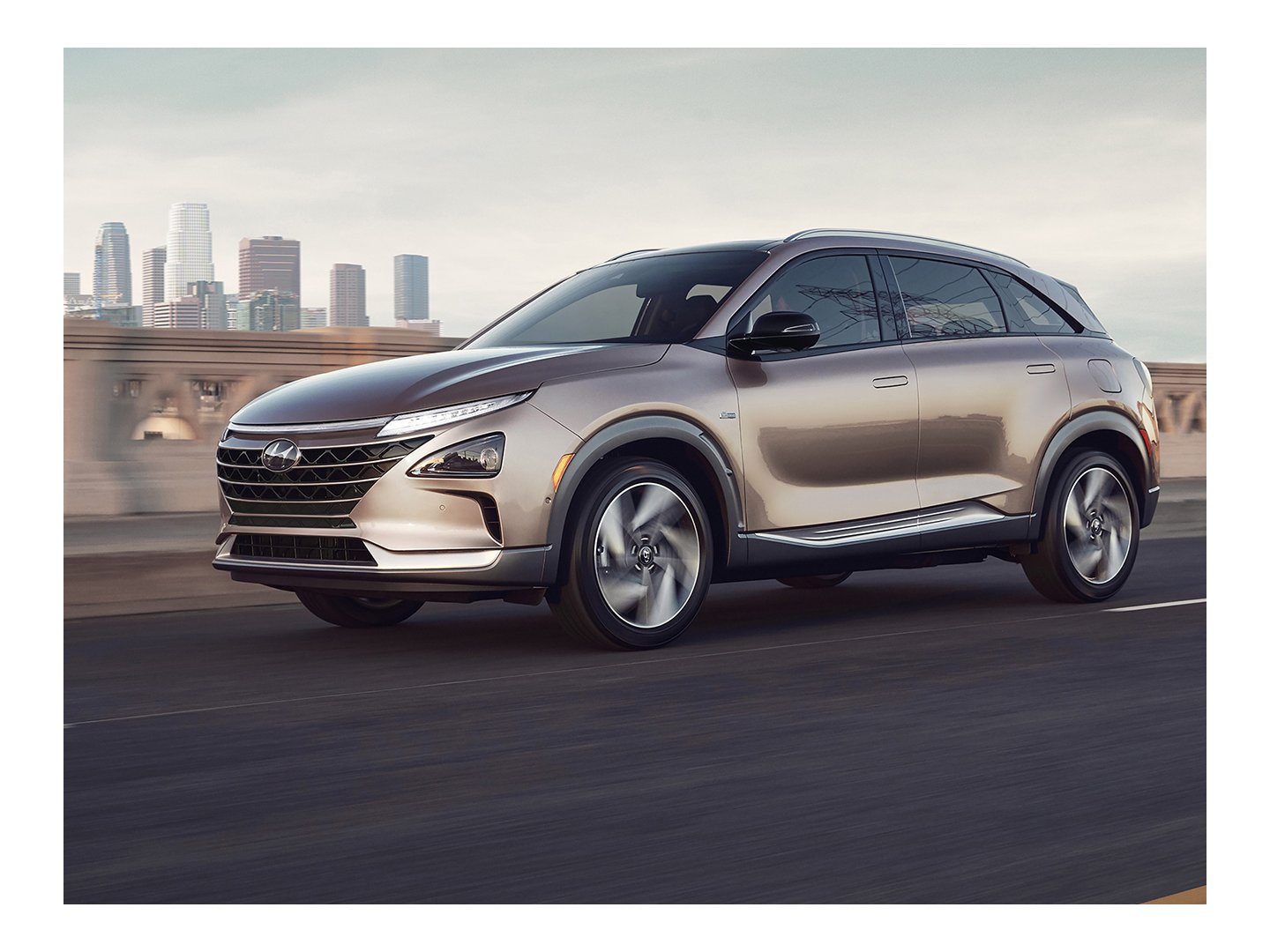2020 Nexo Fuel Cell in Copper Metallic video frame