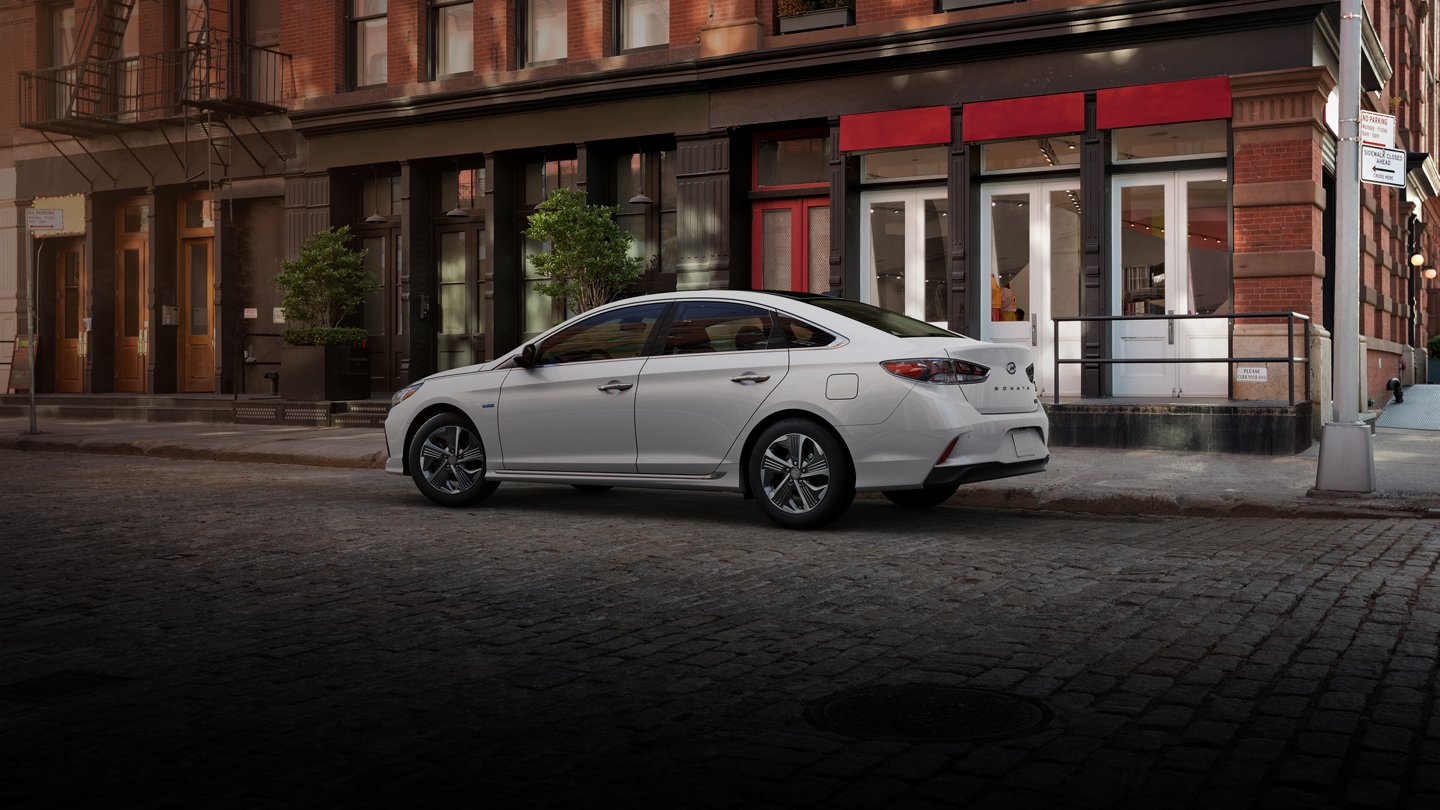 2019 sonata hybrid in hyper white side profile