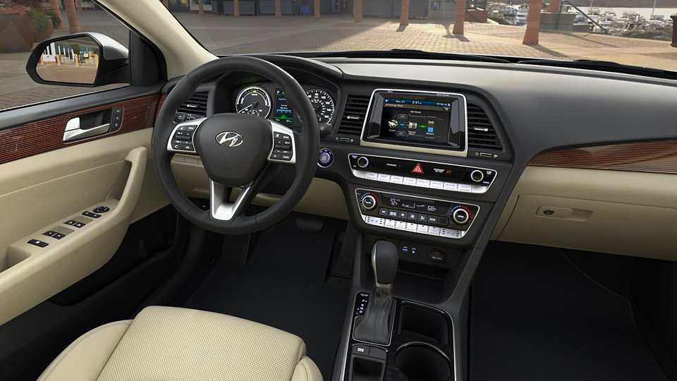 360 Interior Image of the 2019 SONATA Hybrid Limited in Beige
