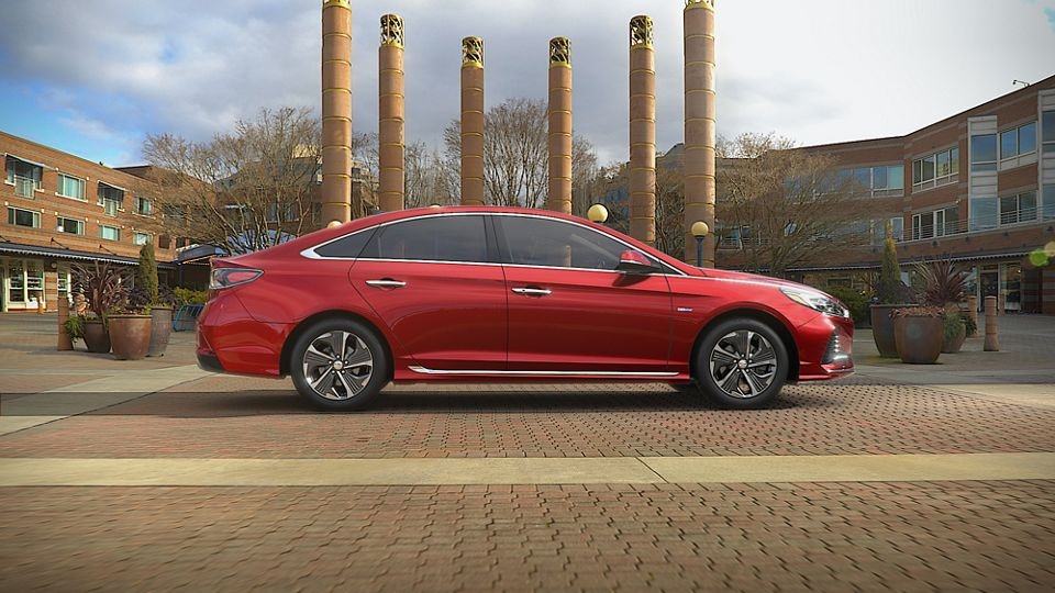 360 Exterior Image of the 2019 SONATA Hybrid in Cosmopolitan Red