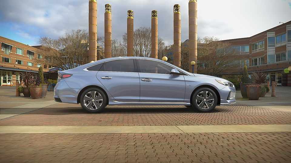 360 Exterior Image of the 2019 SONATA Hybrid in Skyline Blue