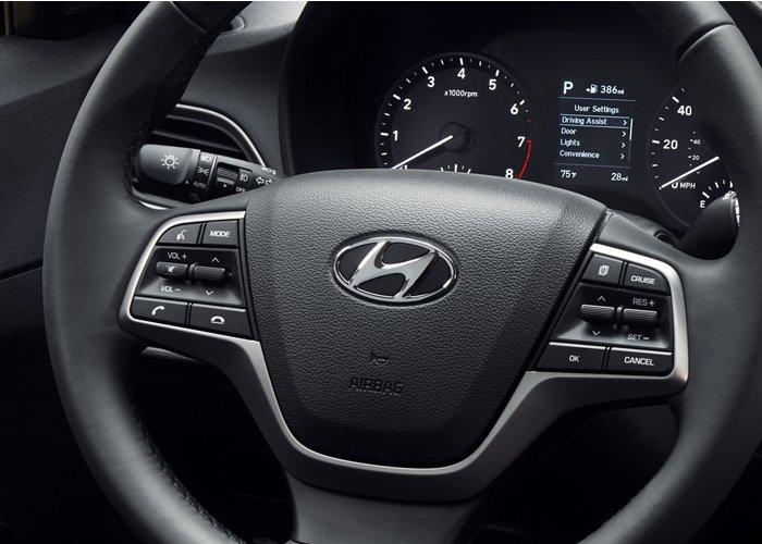 2021 Hyundai Accent Instrument panel